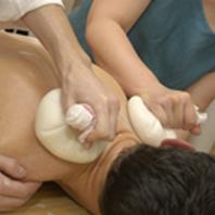massage aux pochons de riz à Socoa Biarritz